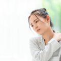 体調不良で仕事を休む判断基準は?会社への連絡方法や注意点もご紹介
